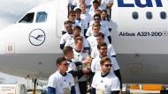 DFB-Team nach Sieg im Confed Cup wieder zuhause