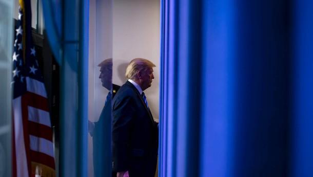 Trumps Pressekonferenzen machen den Republikanern Angst