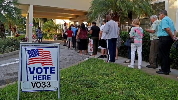 Behörden in Florida ordnen Neuauszählung an