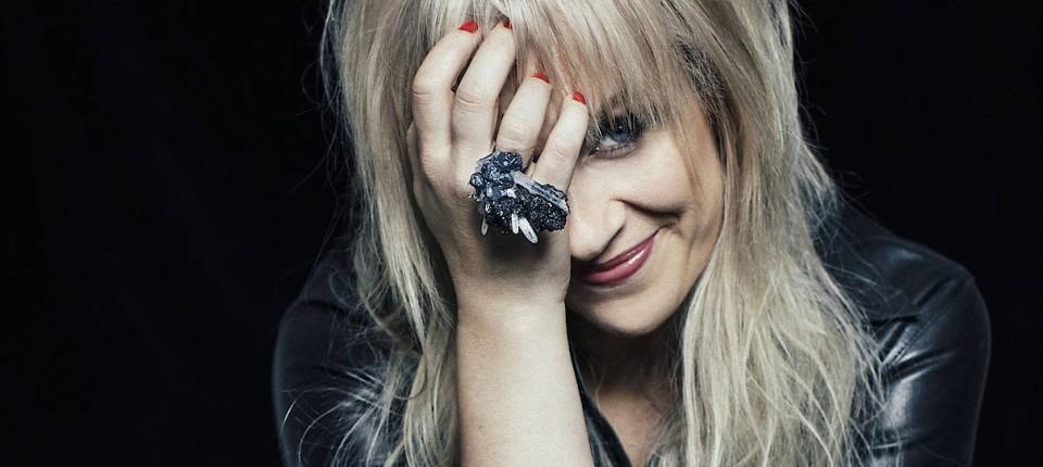 Schwedische Designerin Märta Larsson kreiert Schmuck