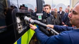 Treibstoff für zwei geliehene Busse