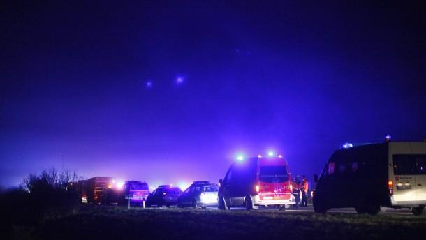 Tote und Verletzte bei Massenkarambolage