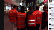 Islamisten ziehen als Scharia-Polizei durch Wuppertal
