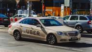 Bald wieder auf Frankfurts Straßen unterwegs: Das Taxiunternehmen Uber