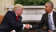 Am 10. November, zwei Tage nach Trumps Wahlsieg, traf der künftige den noch amtierenden Präsidenten im Oval Office – jetzt erhebt Trump schwere Anschuldigungen gegen Obama