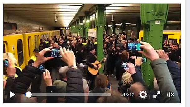 U2 spielen in der Berliner U2