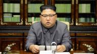 Offizielles Foto der Staatsmedien: Nordkoreas Kim Jong-un bei seiner Replik auf Donald Trump.