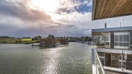 Maritimes Flair: Was die meisten nur aus dem Urlaub kennen, ist für die Bewohner der schwimmenden Häuser Alltag.