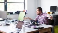 Viel zu tun: Savedroid-Gründer Yassin Hankir in seinem Büro.