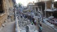 Eine zerstörte Straße in Aleppo