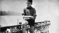 Der Schüler Heinz Petry ging seit 1941 auf die Adolf-Hitler-Schule in Königswinter.