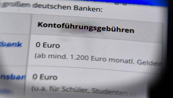 Bankkunden zahlen 4 Milliarden Euro