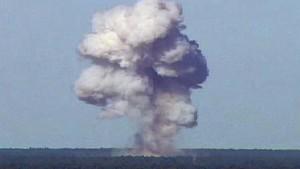 Amerikanische Mega-Bombe tötet 92 Kämpfer