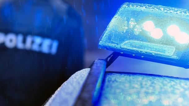 Betrunkene Frau verursacht mehrere tausende Euro Schaden