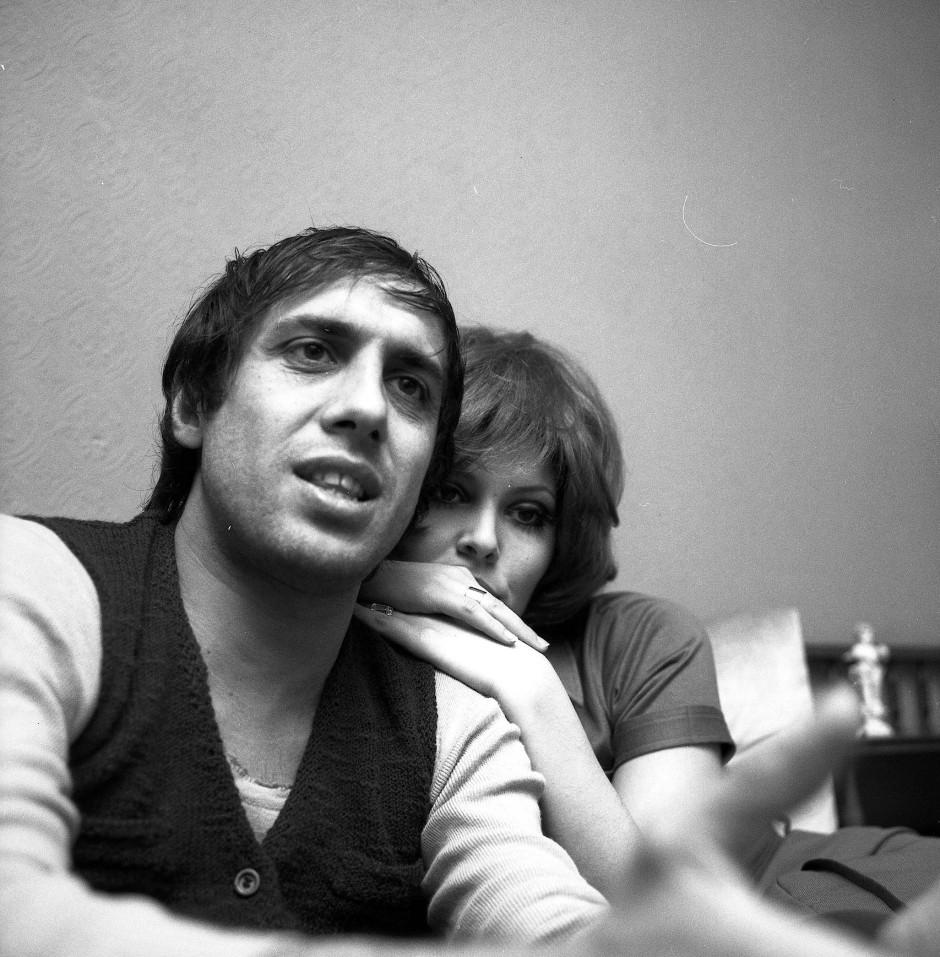 Adriano Celentano im Jahr 1970 mit seiner Frau, der Schauspielerin Claudia Mori