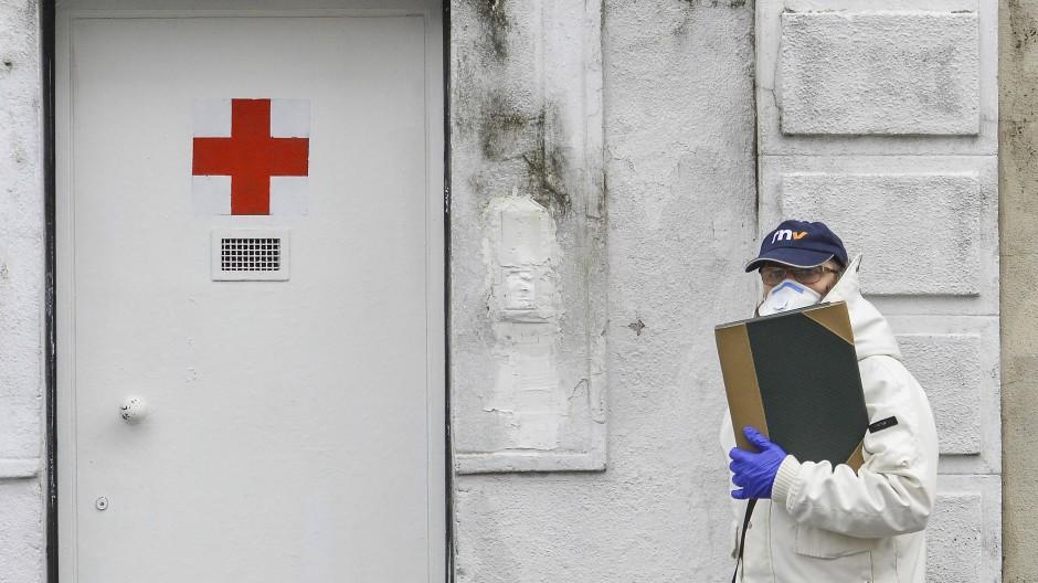 Zwei Ärzte aus Mailand und Umgebung berichten von einer angespannten Situation.