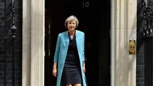 Innenministerin kandidiert für Cameron-Nachfolge