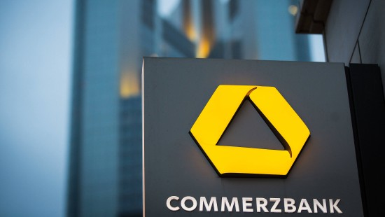 Commerzbank könnte aus dem DAX fliegen