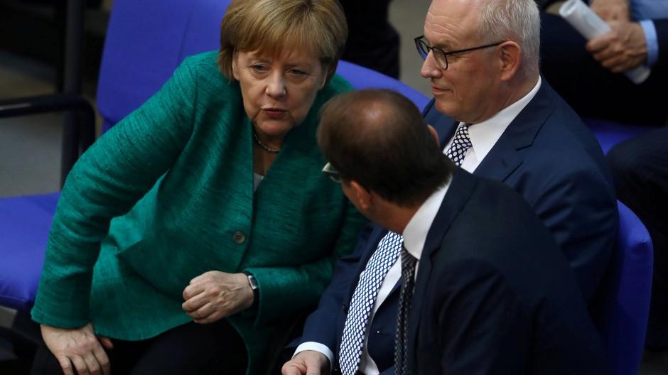 Das Ergebnis sei eine Niederlage für sie, räumte Angela Merkel am Dienstagabend  ein.