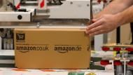 Ein Amazon-Paket kurz vor dem Versand.