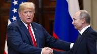 Donald Trump (links) und Wladimir Putin bei der gemeinsamen Pressekonferenz in Helsinki