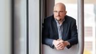 """Podcast von der Buchmesse: Dirk Brockmann über sein Buch """"Im Wald vor lauter Bäumen"""""""