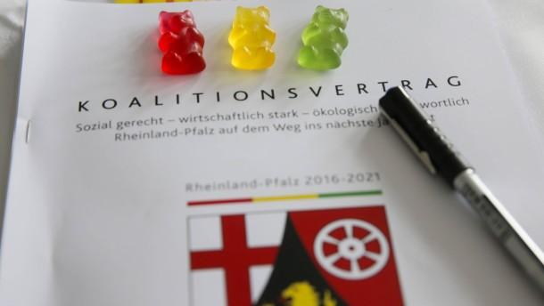 FDP und Grüne stimmen für Koalition mit SPD