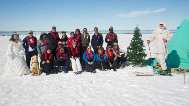 Touristen stecken im Eis der Antarktis fest