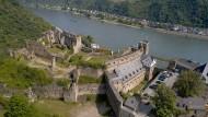 Burg Rheinfels, gegenüber der Loreley, befindet sich seit 1924 in Besitz der Stadt St. Goar.