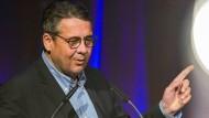 Wiederholte kritische Einlassungen aus dem Off: früherer SPD-Vorsitzender Sigmar Gabriel