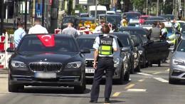 Polizei rückt 40 Mal zu Hochzeiten aus