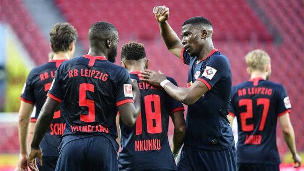 Leipzig rückt BVB wieder auf die Pelle