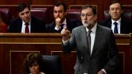 Spaniens Premierminister Mariano Rajoy hält während einer Sitzung des Parlaments in Madrid eine Rede.