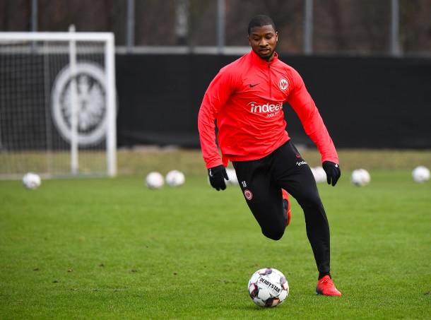 Die Eintracht will mit Almamy Touré die Abwehr stärken