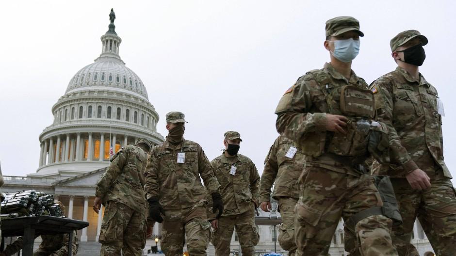 Mitglieder der Nationalgarde treffen in Washington Vorkehrungen für die Sicherheit der Inaugurationszeremonie.