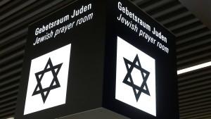 Jüdischer Gebetsraum am Frankfurter Flughafen geschändet