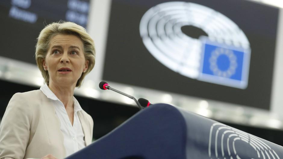 Kommissionspräsidentin Ursula von der Leyen am 8. Juni 2021 bei einer Rede im Europäischen Parlament