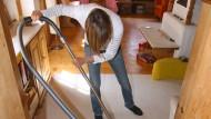 Auch 2017: Hausarbeit bleibt oft noch immer überwiegend Frauensache.