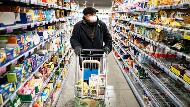 Essen wird teurer, Benzin günstiger