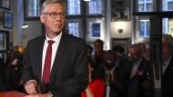Muss mit seiner SPD eine historische Niederlage verkraften:  Carsten Sieling, bisheriger Bremer Bürgermeister, am Sonntag nach Bekanntwerden der ersten Prognosen