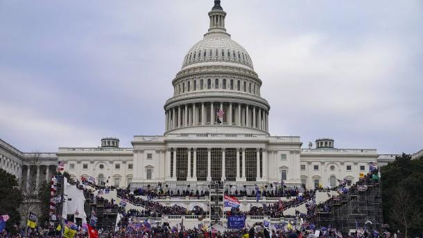 Festnahme wegen Aufruf zu Gewalt gegen Trump-Anhänger