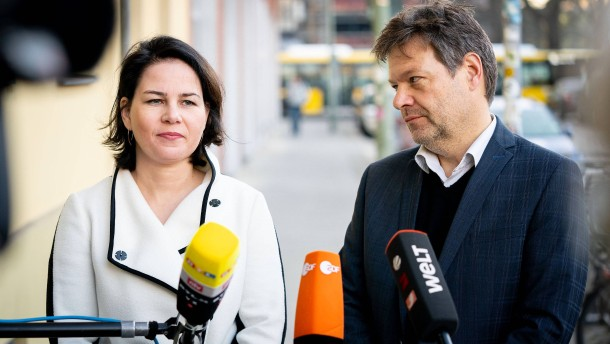 Union nur noch knapp vor den Grünen