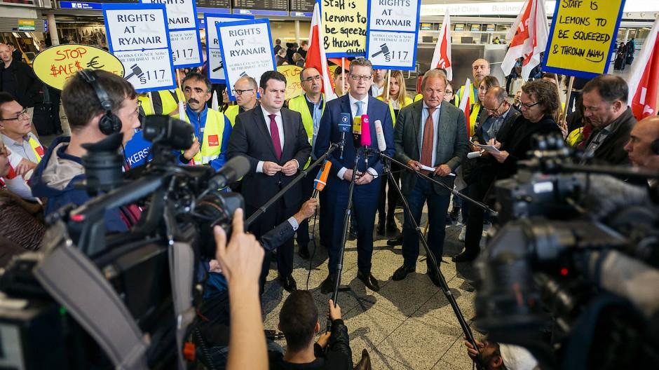 Bundesregierung springt Ryanair-Beschäftigten zur Seite