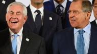 Bitte recht freundlich! Tillerson und Lawrow in Bonn