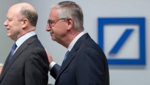 Großaktionäre der Deutschen Bank fordern Stellungnahme