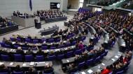 Rentenbescheide zahlreicher Bundestags-Angestellter wohl fehlerhaft