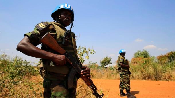 UN wollen 5500 weitere Blauhelm-Soldaten schicken
