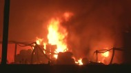 Chemiefabrik in Flammen