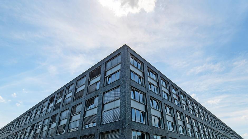 Machtzentrum: Im  Frankfurter Polizeipräsidium sehen sich manche jetzt als Opfer.