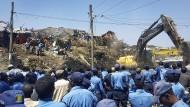 Viele Tote bei Erdrutsch auf Mülldeponie